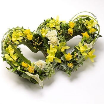 """Сердца из цветов """"Надеюсь на взаимность"""""""