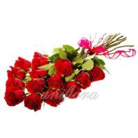 Букет из 15 красных роз (импорт)