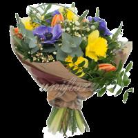 С оформлением 1 Упаковка в бумагу анемоны нарциссы тюльпаны вереск зелень-2-2